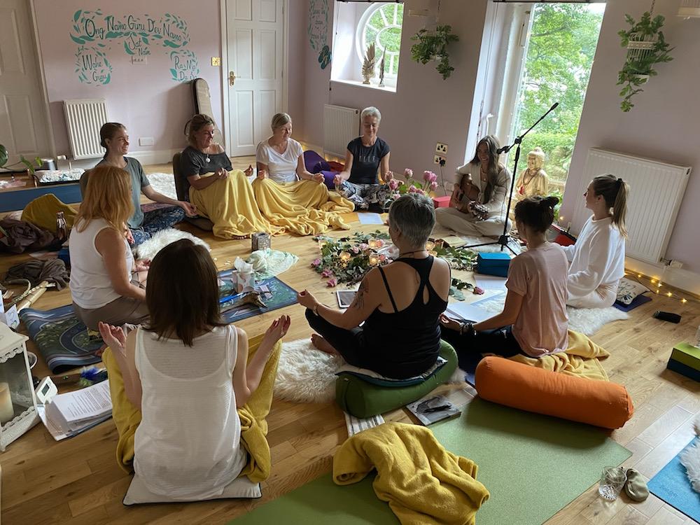 group meditation, yoga, relax